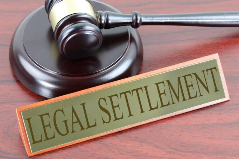 How to Pay Taxes on a Lawsuit Settlement